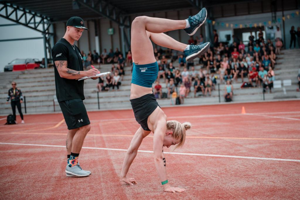 Laura Hämäläinen oli naisten yleisen sarjan Sprinttikässärin voittaja. Kuva: Eino Ansio / Karjalan Kovin